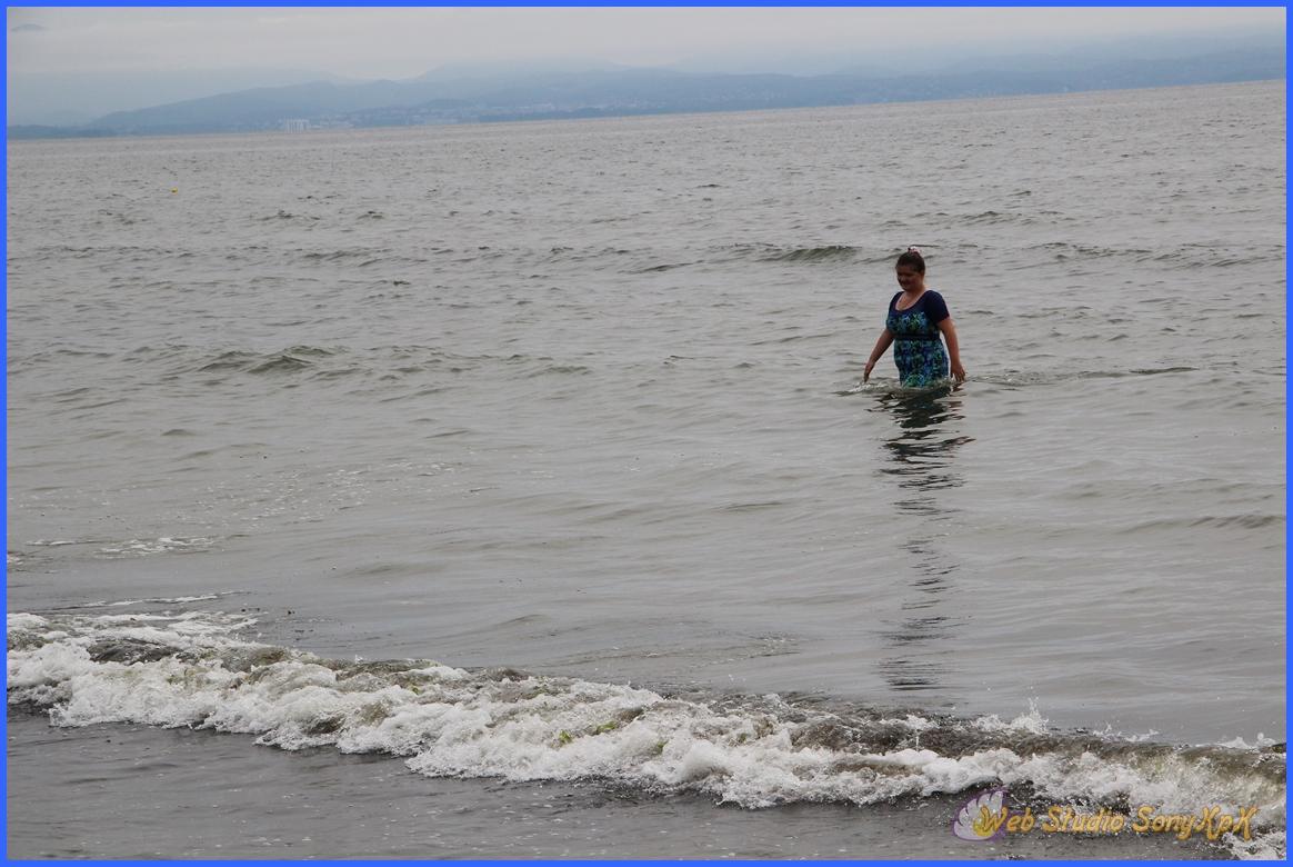 какой пловец, пляж шамора, бухта лазурная, владивосток, морской прибой